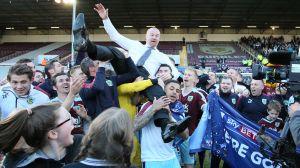 Burnley firar avancemang till Premier League.
