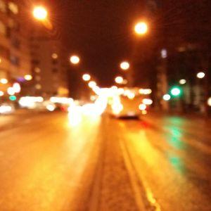 En rattfyllerists suddiga bild av trafiken i Åbo en sen natt.
