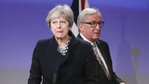 Theresa May och Jean-Claude Juncker.