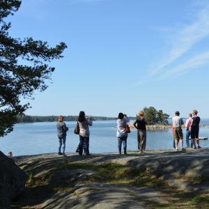 Promenad till Framnäs under konferens i Nagu.