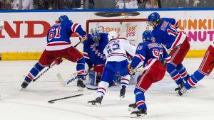 Artturi Lehkonen gör mål mot New York Rangers i Stanley Cup-slutspelet.
