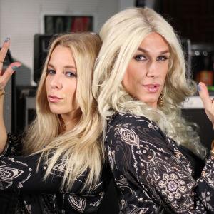Krista Siegfrids samt Christoffer Strandberg utklädd till Krista Siegfrids poserar