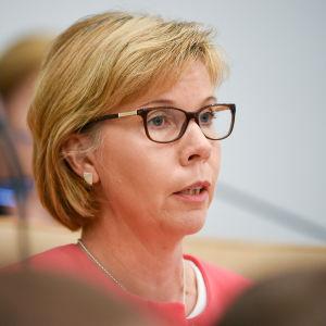 Anna-Maja Henriksson i riksdagen den 1 juli 2016.