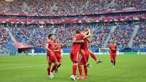 Ryssland firar mål i Confederations Cup.