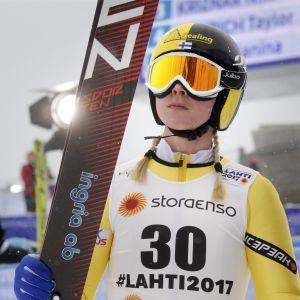 Julia Kykkänen är Finlands enda representant i damernas VM-tävling i backhoppning på fredag.