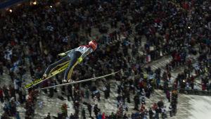 Ville Larinto hoppar inför hemmapublik i VM i Lahtis.