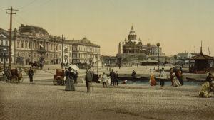 Väritetty valokuva 1900-luvun alun Helsingistä.