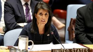 USA:s FN-ambassadör Nikki Haley under säkerhetsrådets session efter omröstningen om de nya sanktionerna.