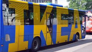 Ikeas buss vid Kiasma i Helsingfors.
