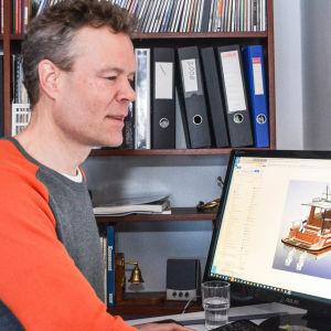 Båtdesigner Kamu Stråhlmann