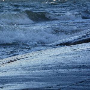 Hårda vindar till havs.