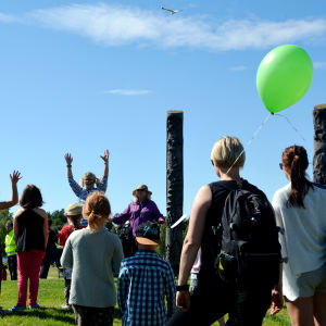 Dans och sång för barn i Skeppsparken i Vasa.