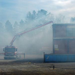Kraftigt med rök vid eldsvåda i Korsnäståget.