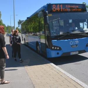 841 busslinjen i Söderkulla