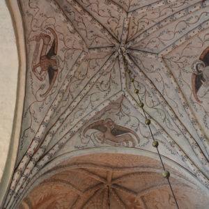 Kyrkvalven i Pyttis medeltida kyrka