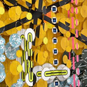 Detalj ur Jacob Hashimotos installation.