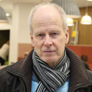 Peter Eriksson.