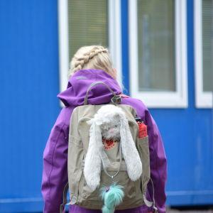 Elever på väg till Näse skola