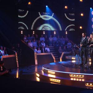 Kuva SuomiLOVEn studiosta kolmannelta kaudelta.