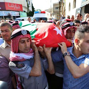Korpralen Omar Al-Hiyari som var medlem av Jordanien underrättelsetjänst var en av de fem som sköts ihjäl på måndag morgon. Han begravdes i staden Salt väster om Amman