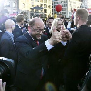 Martin Schulz på torget Gendarmenmarkt i Berlin den 22 september 2017