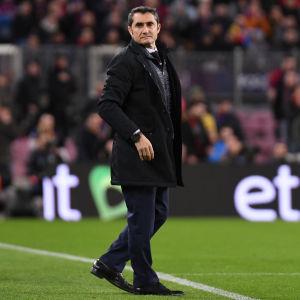 Ernesto Valverde står vid sidlinjen