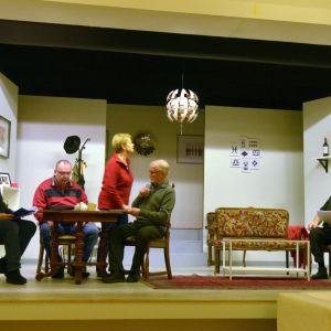 Scen ur pjäsen Fem Filurer