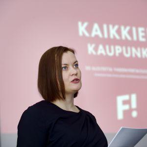 Katju Aro, ordförande för Feministiska partiet