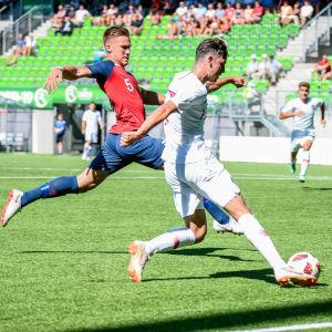 Första matchen gick av stapeln kl. 15 på måndagen mellan Norge och Portugal.