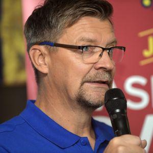Jokerits chefstränare Jukka Jalonen talar.