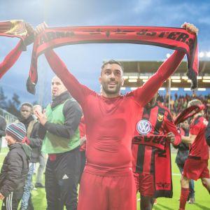 Saman Ghoddos (t.h.) firar Östersunds avancemang i Europa League.