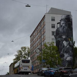 Muralmålning på Gertrudsgatan 11 i Åbo.