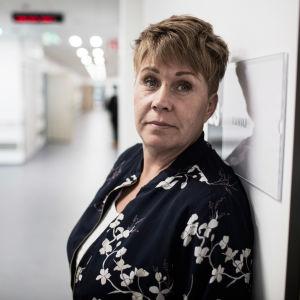 Monica Kainulainen på missbrukarvården i Raseborg