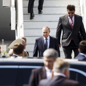 Vladimir Putin på Helsingfors-Vanda flygplats.