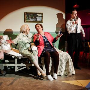 Ingrid Söderblom, Carola Sarén, Johan Aspelin. Foto: Linus Lindholm