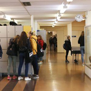 Elever på Oxhamns