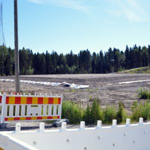 Grunden för den nya fotbollshallen i Kokon.