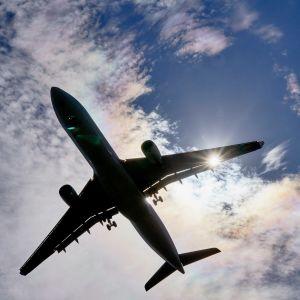 Laskeutuva matkustajakone