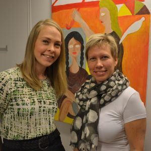 Emma Granholm och Nina Stubb från Röda Korset, Österbottens svenska distrikt.