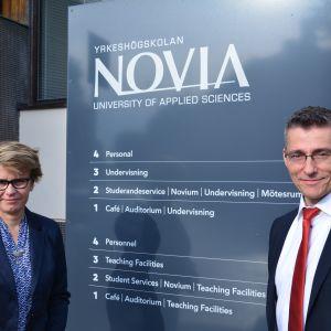 Rektor Örjan Andersson, Yrkeshögskolan Novia och enhetschef Eva Sandberg-Kilpi
