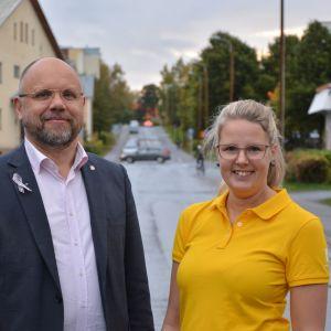 Markku Suoranta från Österbottens cancerförening och Susanna Back från Projekt Liv.