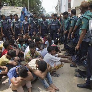 """Över 100 misstänkta langare har dödats och över 12 000 har frihetsberövats sedan """"kriget mot narkotika"""" inleddes i Bangladesh för två veckor sedan"""
