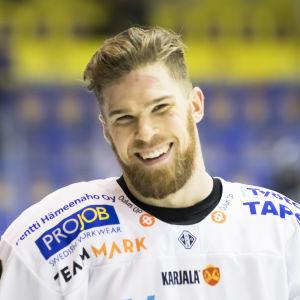 Jani Hakanpää gör sin tredje säsong i Kärpät.