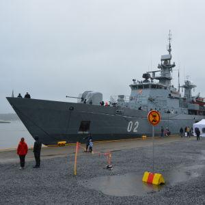 Minfartyget Hämeenmaa i inre hamnen i Vasa.