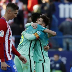Lionel Messi kramar om sin lagkamrat.