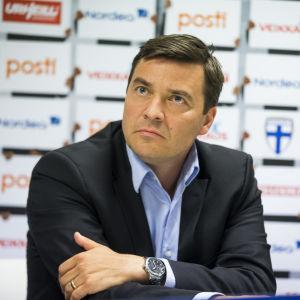 Marco Casagrande är generalsekreterare för fotbollsförbundet.