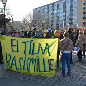 Demonstration mot deportationer.