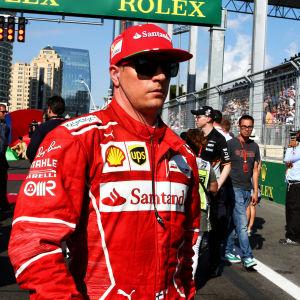 Kimi Räikkönen i Ferrarikläder.