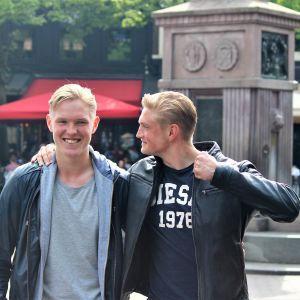 Fredrik (t.v.) och Richard Jensen står.