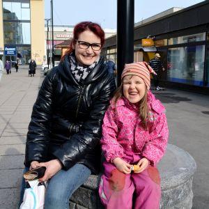 Borgåborna Anna Fagerlund och Aida Siegfrids.